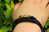 Mooi leren armband met Zuiverende Lizardiet A2221_