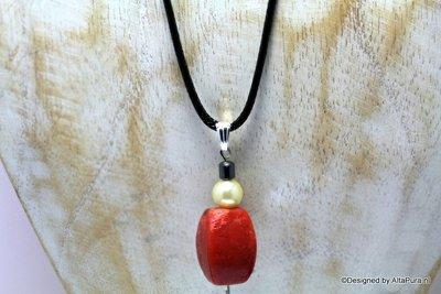Mooie talisman van Rode Koraal met Zoetwaterparel  C563