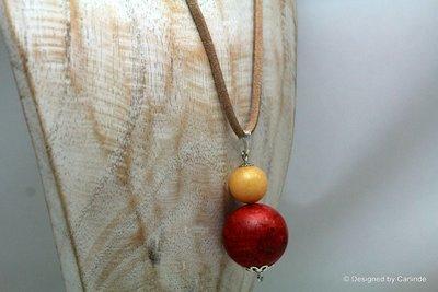 Mooie talisman van Rode Koraal met lichtgele jade C649