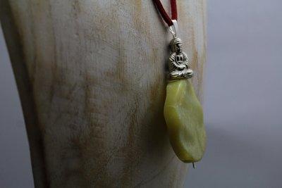 Authentiek Bhudda collier met grote beschermsteen van Citroen Jade C605