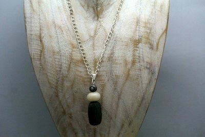 Beschermende talisman van Geslepen Jaspis, Sneeuwquarz en Obsidiaan C500