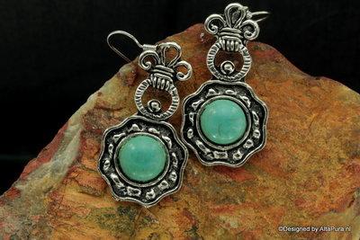 Mooie oorhangers van  Turkoois in Native design A863