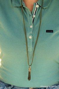 Authentiek collier met grote beschermsteen van Mosagaat  C595