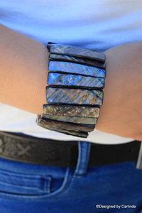 Schitterende Armband van Grey  power Shell A2245